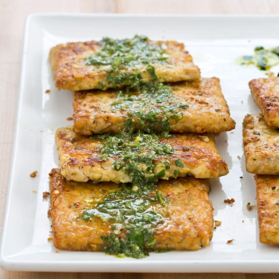 SFS_Tempeh-Steaks-with-Chimichurri-Sauce_011